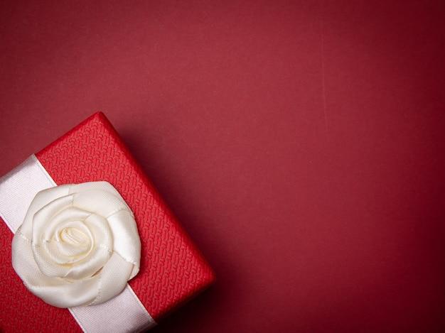 Vue de dessus du coffret cadeau avec espace copie