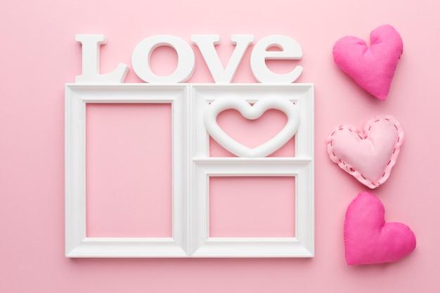 Vue de dessus du concept de cadre d'amour mignon