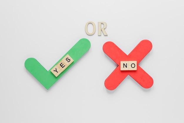 Vue de dessus du concept des élections avec oui ou non
