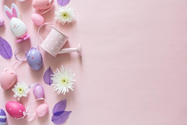 Vue de dessus du concept de fond de décoration arrangement rose décoration joyeuses pâques avec espace de copie