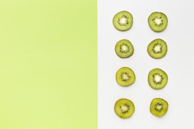 Vue de dessus du concept de kiwi avec espace copie