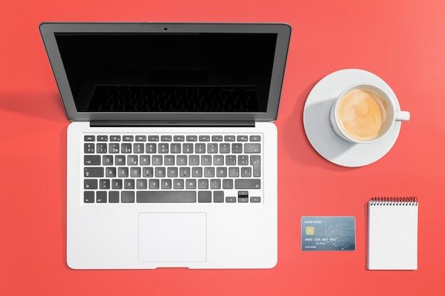 Vue de dessus du concept de magasinage en ligne