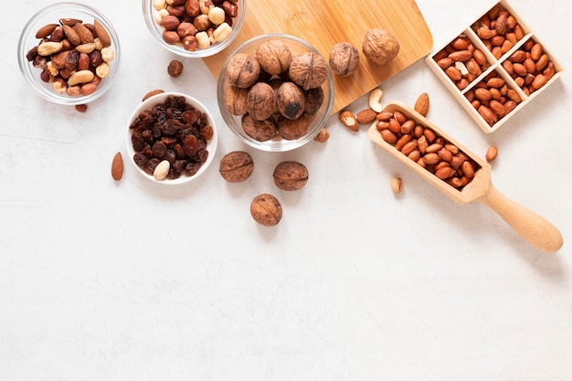 Vue de dessus du concept de noix avec espace copie