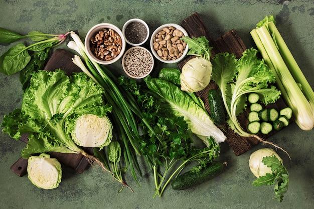 Vue de dessus du concept de nourriture végétalienne de santé