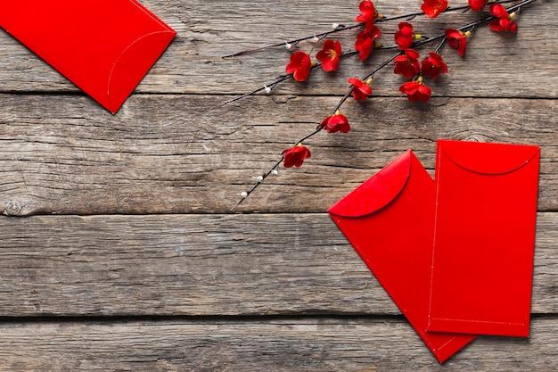Vue de dessus du concept de nouvel an chinois sur table en bois