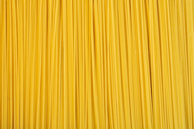 Vue de dessus du fond de spaghetti cru