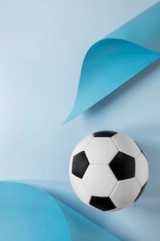 Vue de dessus du football avec espace copie