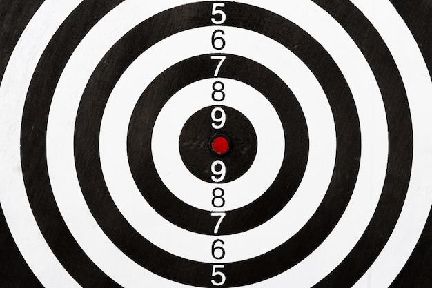 Vue de dessus du jeu de fléchettes cible. objectif de l'entreprise ou succès de l'objectif