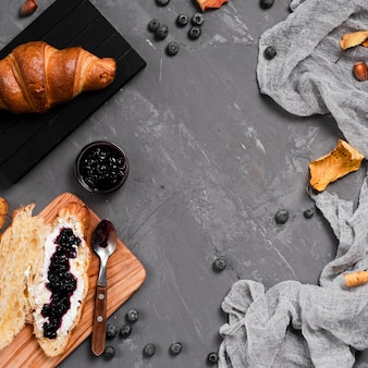 Vue de dessus du petit-déjeuner d'automne avec espace de copie
