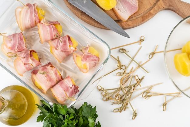 Vue de dessus du plat à base de bacon