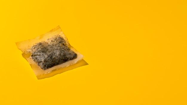 Vue de dessus du sachet de thé