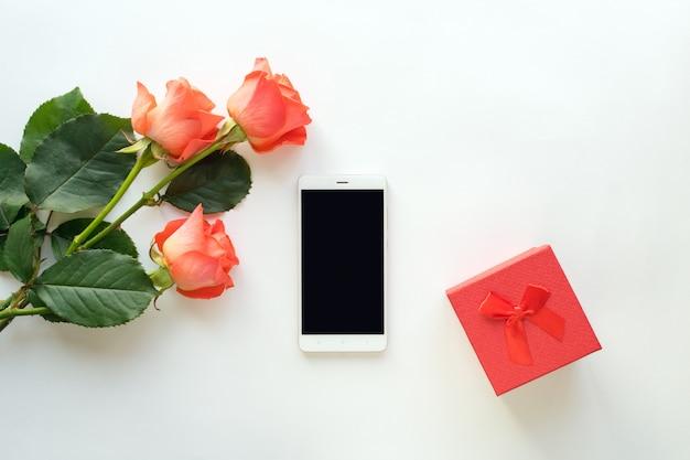 Vue de dessus du téléphone mobile avec espace de copie
