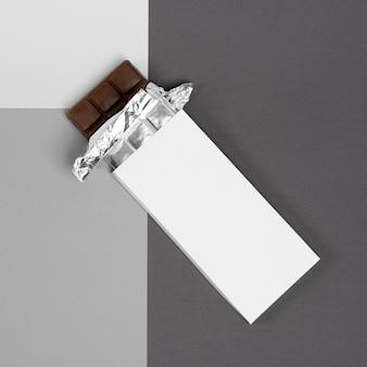 Vue de dessus de l'emballage de la barre de chocolat
