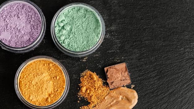 Vue de dessus ensemble de pigments