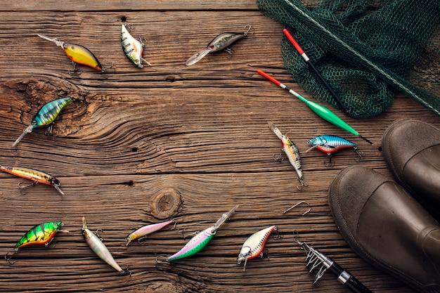 Vue de dessus des essentiels de pêche