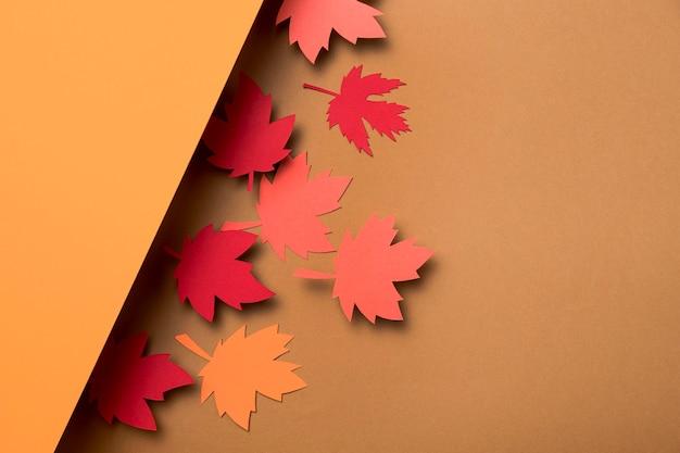 Vue de dessus des feuilles d'automne avec copie espace