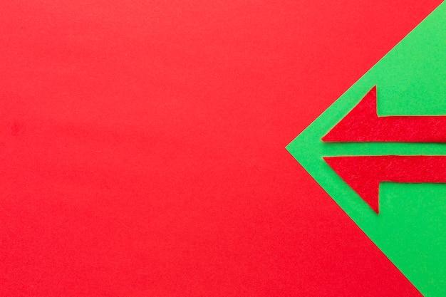 Vue de dessus de la flèche avec espace copie