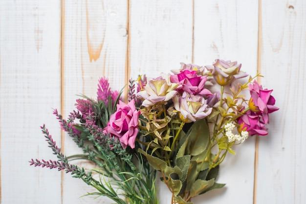 Vue de dessus des fleurs de mariage