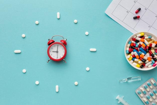 Vue de dessus en forme d'horloge de pilules