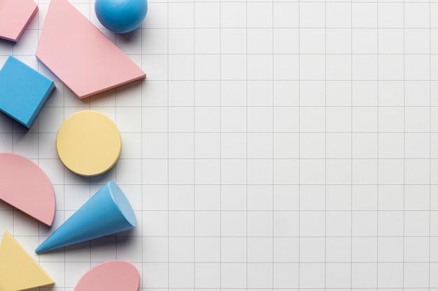 Vue de dessus des formes géométriques avec espace copie