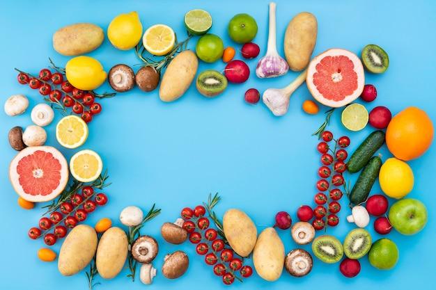Vue de dessus des fruits et légumes