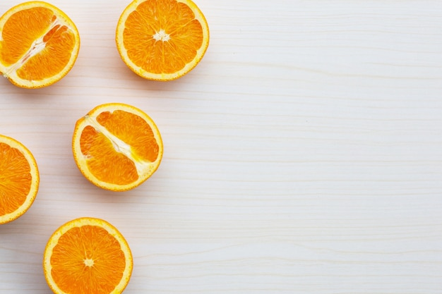 Vue de dessus des fruits orange