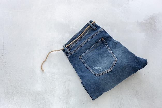 Vue de dessus de jeans bleu