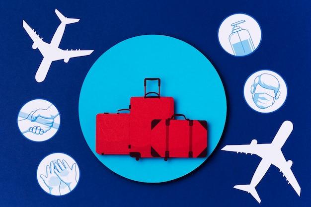 Vue de dessus journée mondiale du tourisme avec logos