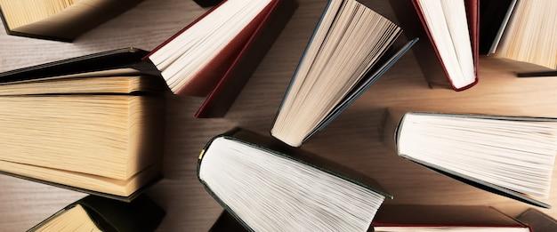 Vue de dessus des livres