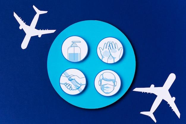 Vue de dessus des logos de la journée mondiale du tourisme