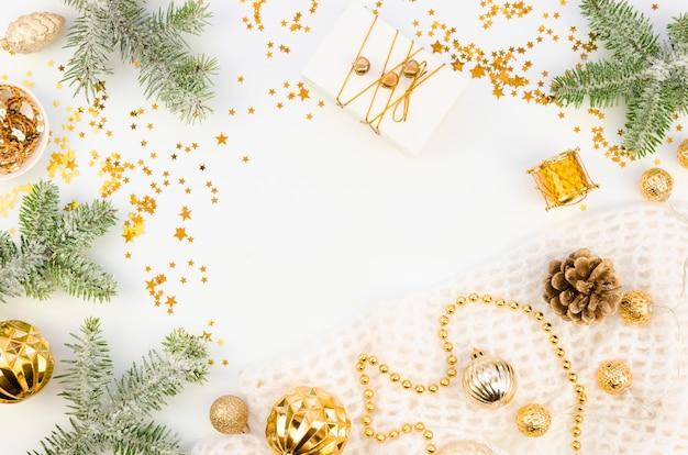 Vue de dessus maquette de fond de carte de noël festive avec espace de copie