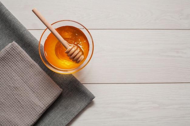 Vue de dessus miel bio avec espace de copie