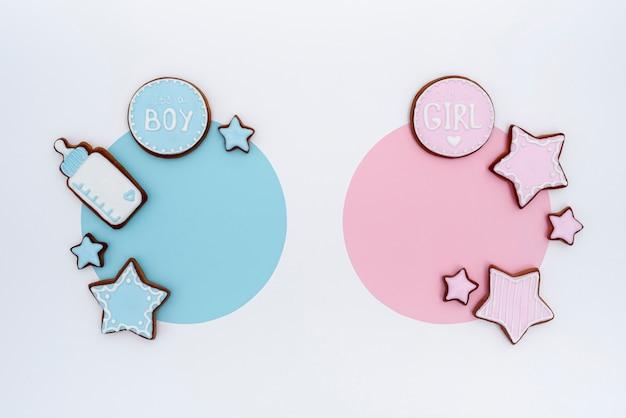 Vue de dessus de mignons petits accessoires pour bébé