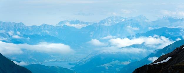 Vue de dessus de la montagne alp depuis la route des hautes alpes du grossglockner
