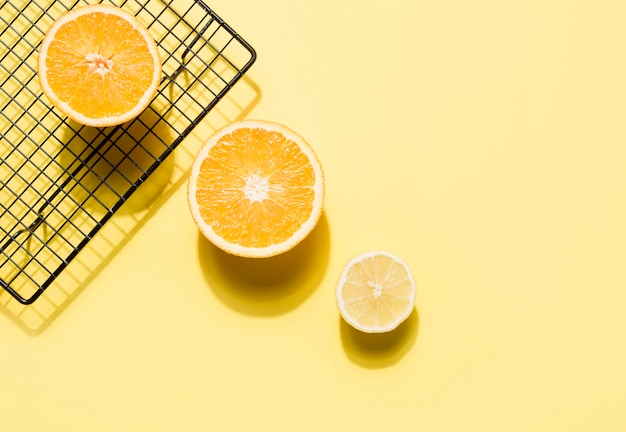 Vue de dessus des oranges saines avec espace copie