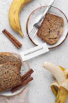 Vue de dessus de pain aux bananes en bonne santé