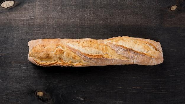 Vue de dessus pain français baguette entière