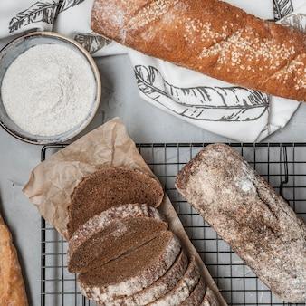 Vue de dessus de pains croustillants