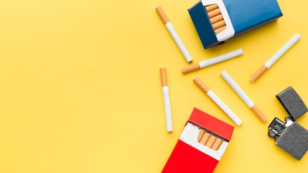 Vue de dessus des paquets d'espace de copie de cigarettes