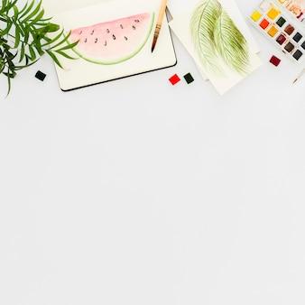 Vue de dessus peinture pastèque avec espace copie