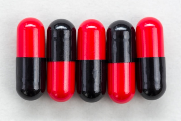Vue de dessus des pilules sur la table