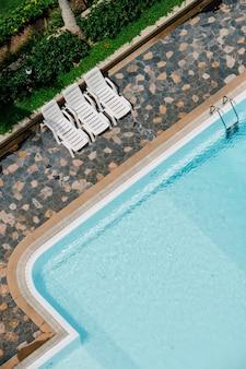 Vue de dessus de piscine