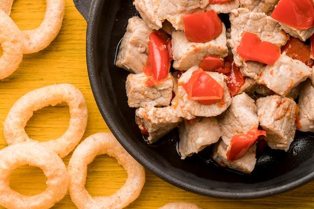 Vue de dessus plat délicieux avec de la viande