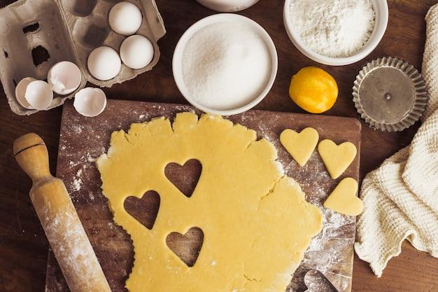 Vue de dessus préparation de la pâte à tarte