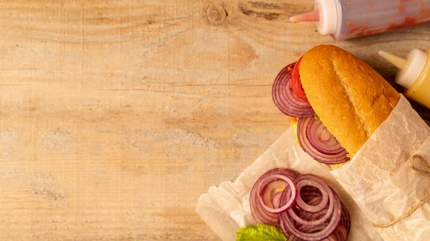 Vue de dessus sandwich avec espace de copie
