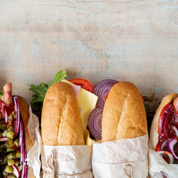 Vue de dessus sandwichs avec espace de copie