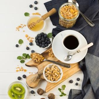Vue de dessus savoureux petit déjeuner