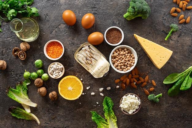 Vue de dessus des sources alimentaires d'oméga 3 et de graisses saines. nourriture saine