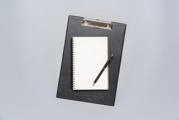 Vue de dessus stationnaire gris et blanc pour concept créatif et commercial