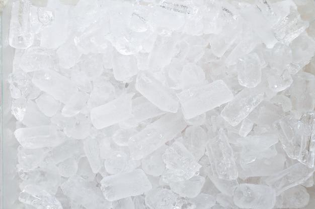 Vue de dessus de la surface de la glace pilée.